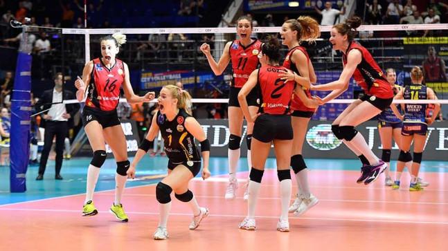 VakıfBank, CEV Şampiyonlar Ligi'nde finale yükseldi!