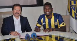 Ankaragücü'nden Thievy Bifouma ile 3 yıllık sözleşme