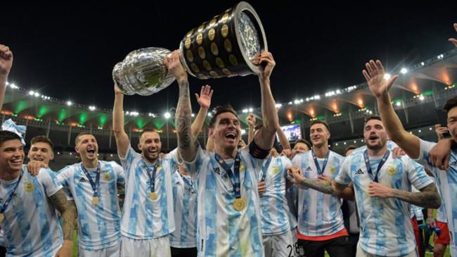 Lionel Messi'nin kupalı paylaşımı rekor beğeni alarak tarihe geçti